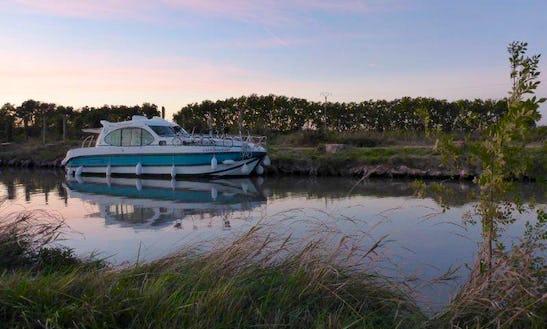 Bareboat Motor Yacht Hire 'estivale Quattro S' Saverne