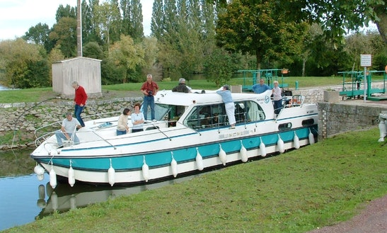 'confort 1350' Motor Yacht Hire In Saverne