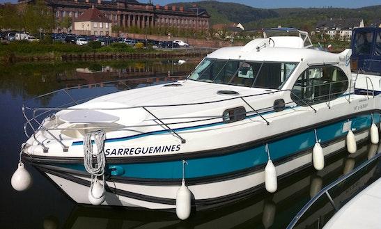 'estivale Quattro' Motor Yacht Hire In Sucé-sur-erdre