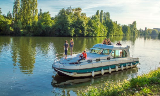 Motor Yacht With 5 Cabins For Hire In Venarey-les-laumes, France
