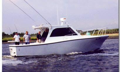 "34ft ""No Time"" Sportfisherman Boat Charter in Hempstead, New York"
