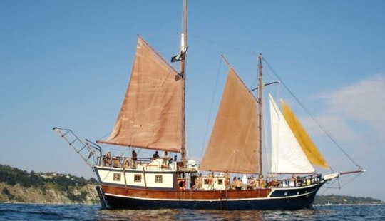Charter This 74ft