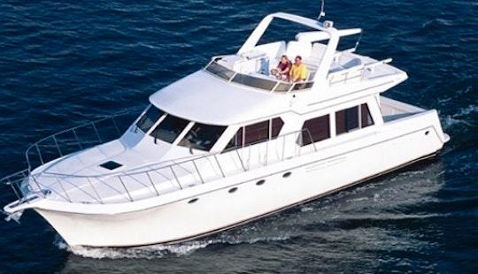Charter The 33ft Sports Cruiser In Dubai, Uae