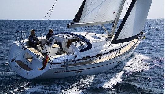 Charter Bavaria 39 Cruiser Yacht