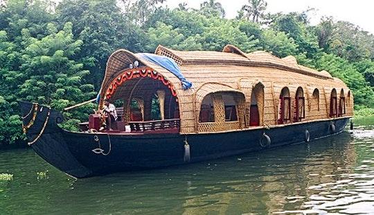 Two Bedroom Houseboat In Kumarakom