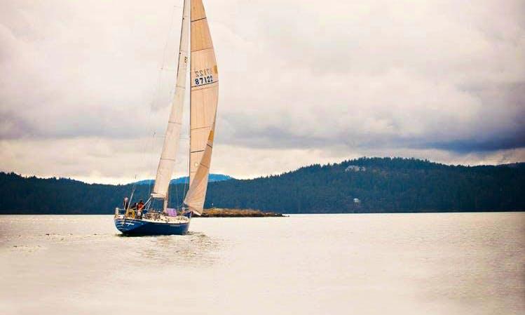 50' Cruising Monohull Charter in Eastsound, Washington