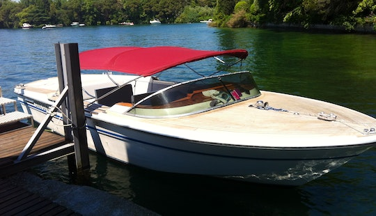 Hire 27' Classic Motor Yacht In Sirmione, Lombardia