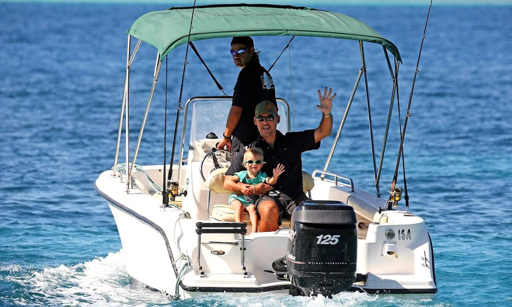 39 isa 39 boat private lagoon reef fishing in bora bora for Private fishing charters