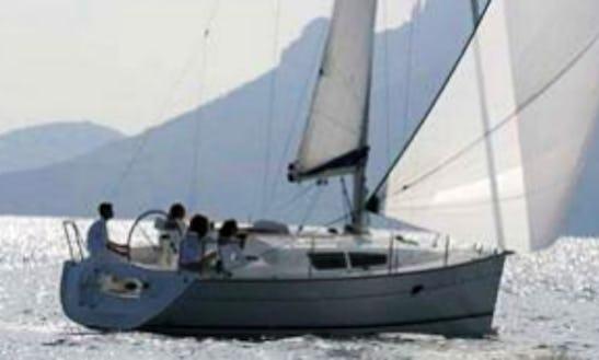 Sun Odyssey 32 I Dl Cruising Monohull Rental In La Foret-fouesnant, France