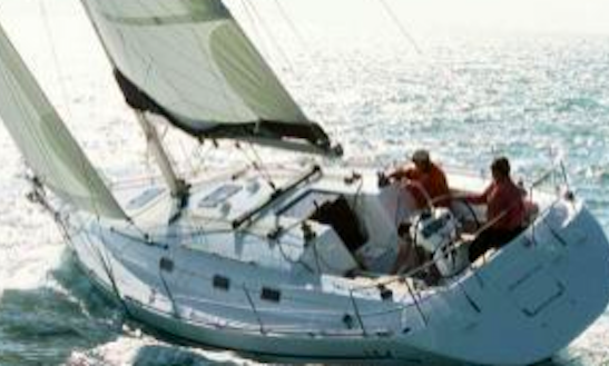 Harmony 38 Q Cruising Monohull Rental In La Foret-fouesnant, France
