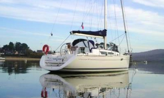Sun Odyssey 35 Monohull Charter In Concarneau