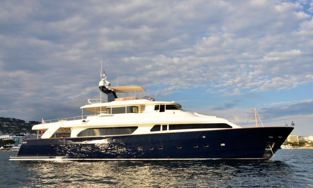 109' Motor Yacht Charter in Monaco