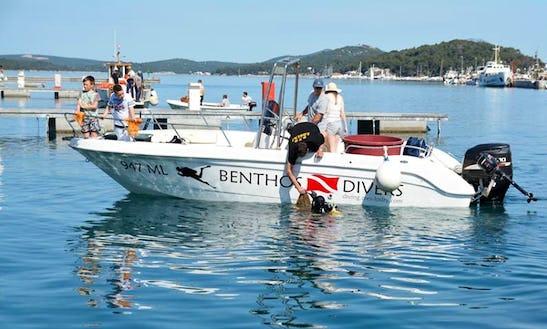 Deck Boat Rental In Veli Lošinj