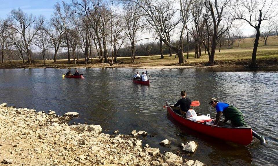 Canoe 8 Mile Floating Trips On Niangua River