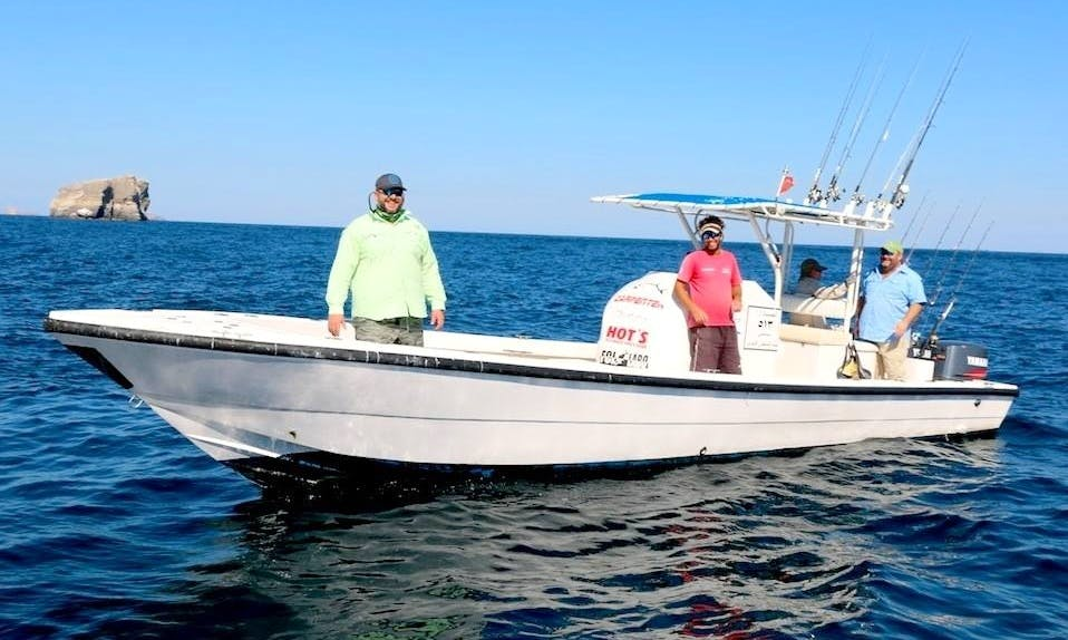 32 ft Center Console for Fishing in Oman