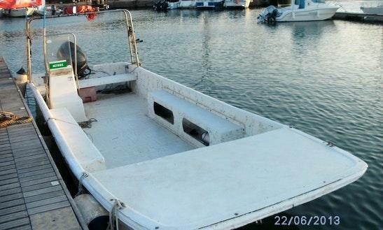 Rent The 24' Motor Boat In Isola Di Capo Rizzuto