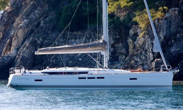 Charter Cotia, Jeanneau SunOdssey 51 in Paraty