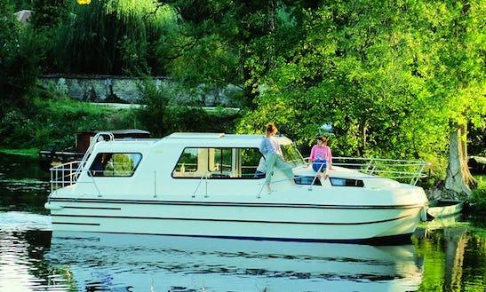 Rent Nicols Riviera 920 Riverboat In Egå