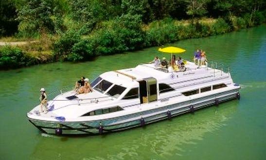 48' Grand Classique Riverboat In Egå