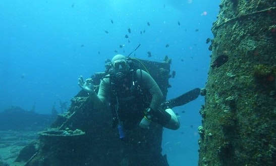 Boat Diving Trips & Padi Courses In Trou-aux-biches