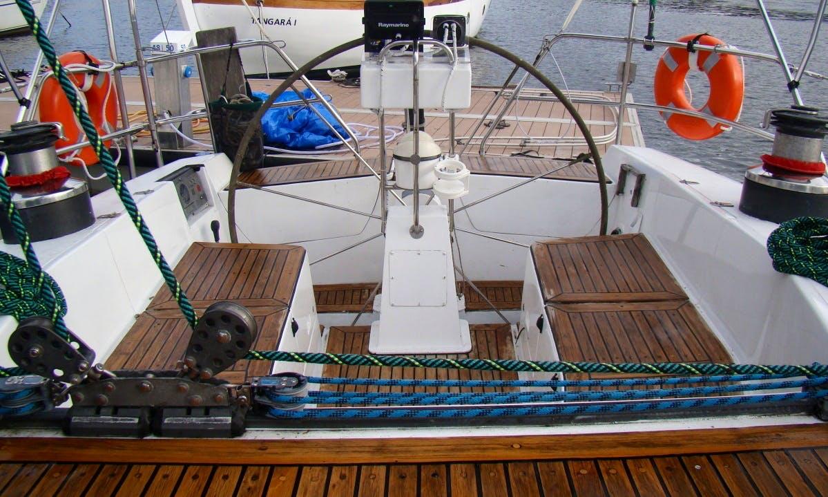 Cruise in Rio de Janeiro on a Cruising Monohull Charter