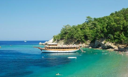 Boat Cruising Day Tours  In Marmaris