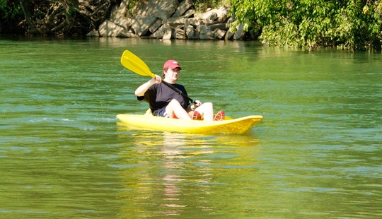 Single Kayak Hire In Mouliets-et-villemartin