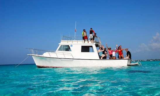 Boat Sightseeing Tours In George Town