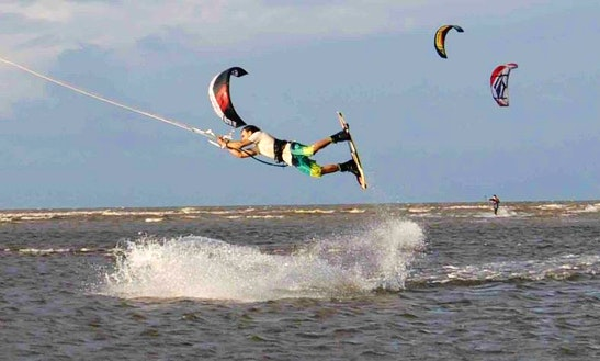 Kiteboarding Lesson In Yorkeys Knob