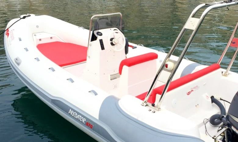 Predator 570 Boat Hire in Marseille