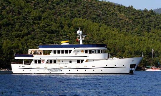 Passenger Boat Donna Del Mare