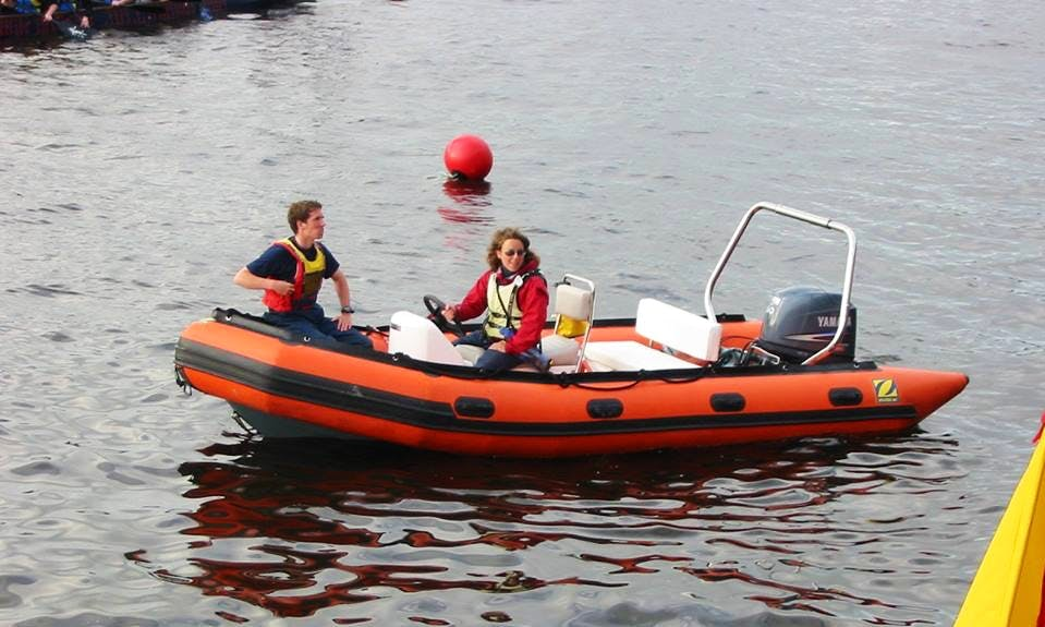Introduction to Powerboating Lessons In Clare