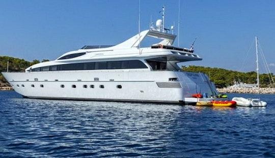 105' Luxury Motor Yacht