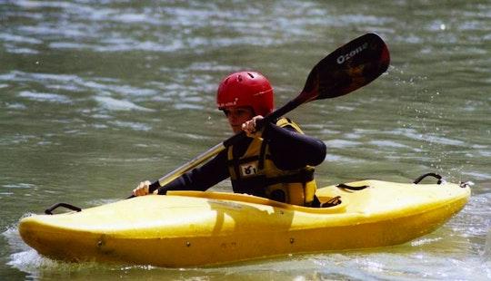 Single Kayaking Trips In Gaiola