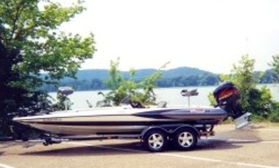 Triton 21' Bass Boat Fishing Charters In Scottsboro, Alabama