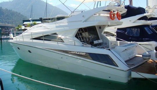 Ferretti 460 Platinum Cuddy Cabin/walk Around Rental In Angra Dos Reis