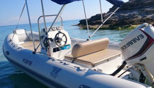 17' Tiger Marine Center Console Boat In Saint-florent