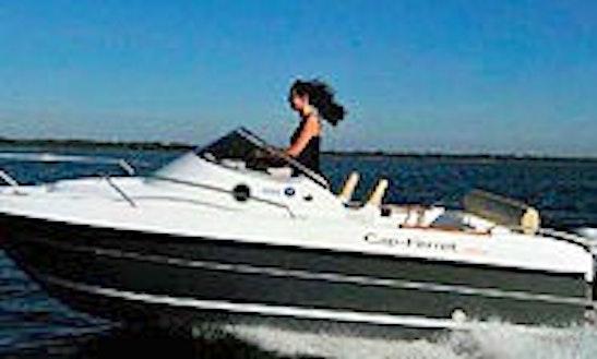 Cap Ferret 472 Deck Boat Rental In Hourtin, France