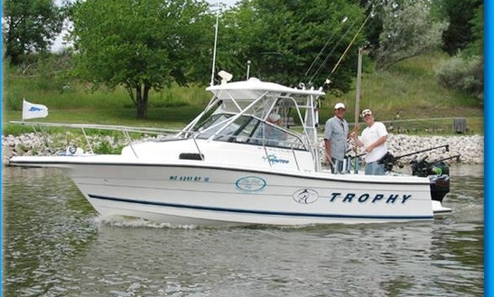 25' Boat Fishing Charter In Lindwood
