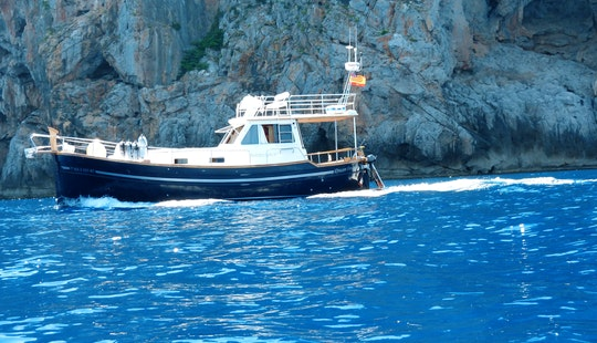 39' Sailing Flybridge Motor Yacht In Sóller