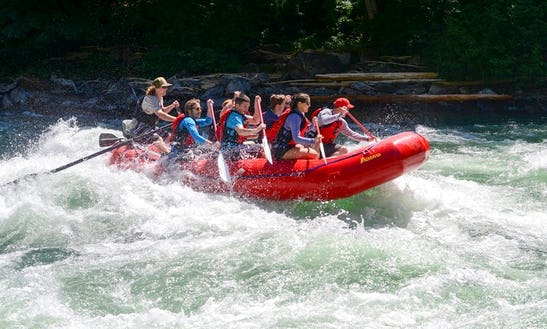 Rafting Tour In Bellingham Skagit River