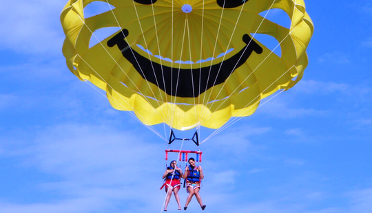 15-minutes Exciting Parasailing Ride In Dubrovnik, Croatia