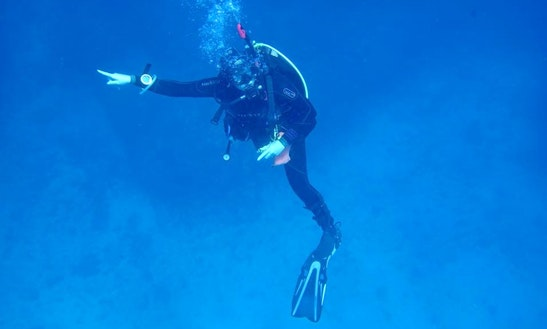 Diving In Utende