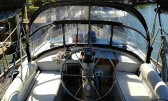 Cruising Monohull Rental In La Línea De La Concepción