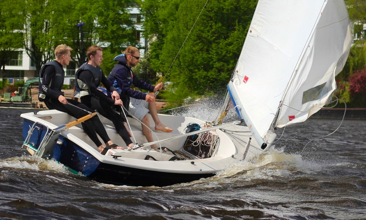 Laser 16 Sailboat Hire and Lessons in Hamburg