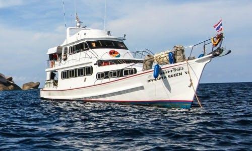 'M/V MANTA QUEEN 6' Diving in Tambon Khuekkhak