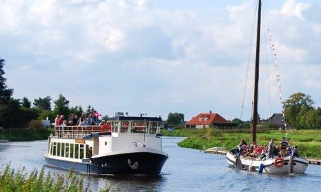 """High TeaBoot"" Boat Trips in Ommen"