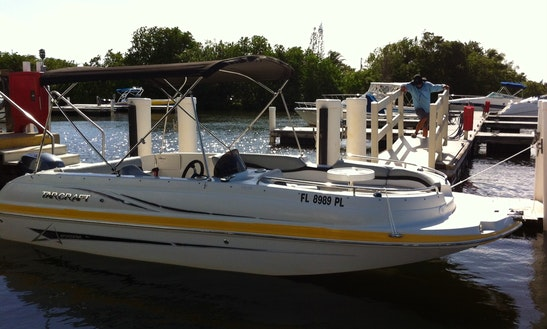 Charter 19' Deck Boat Starcraft In Dania Beach, Florida