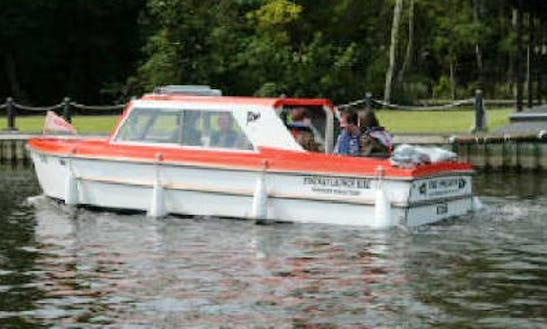 8 Person Canal Boat Rental In Hoveton England