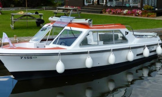 Rent A Canal Boat Around In Hoveton Uk For Half Or Full Day